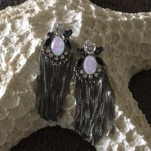 Jewelry - Pretty rhinestone and chain statement earrings